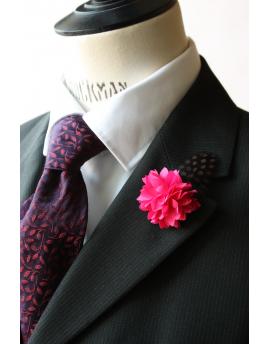 Fleur à la Boutonnière - Dahlia rose et plume de pintade