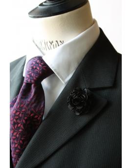 Fleur en satin noir - Boutonnière pour homme élégant