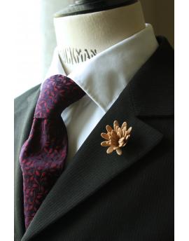 Daisy flower Lapel Pin for Men, wedding boutonniere, Beige Nude Alcantara®