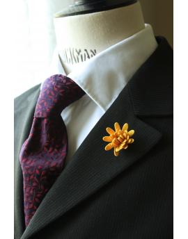 Daisy flower Lapel Pin for Men, wedding boutonniere, Golden Yellow Alcantara®